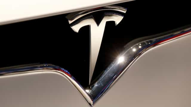 Tesla oferecerá menos opções para personalizar interior dos carros
