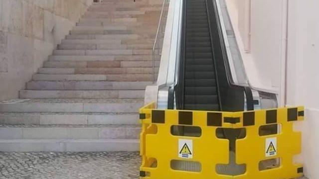Escadas rolantes para o Castelo que se julgavam avariadas... não estão
