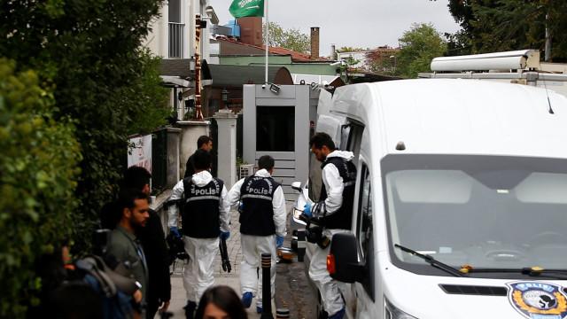 """Irão diz que morte de jornalista seria """"impensável"""" sem apoio dos EUA"""