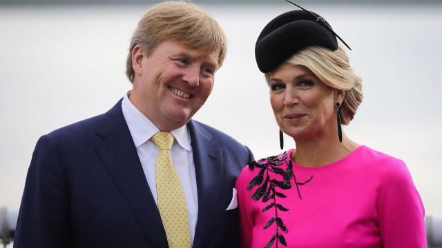 Maxima de Holanda encanta com vestido que quebrou as 'regras' da estação