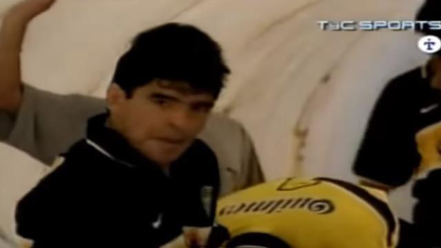 Há 21 anos, Diego Armando Maradona dava os últimos toques na bola