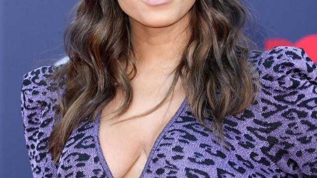 Vídeo: Anitta em choque após adivinhar o dia do parto de Sabrina Sato