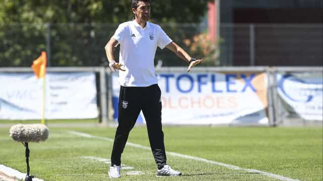 Bruno Lage orienta o próximo treino do Benfica
