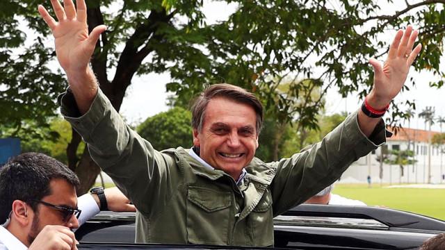 Bolsonaro abre caminho a acesso mais facilitado a armas