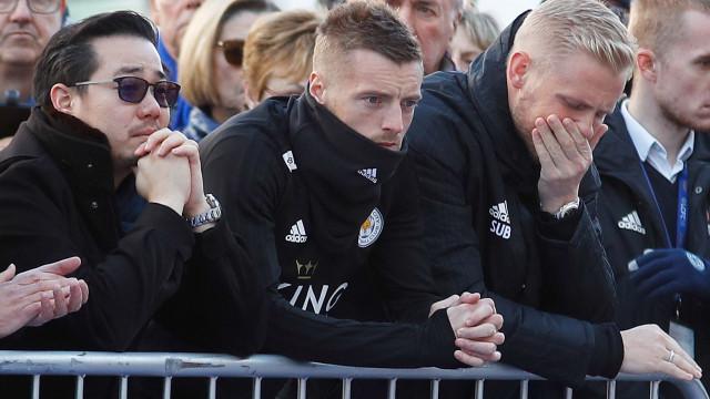 O mundo do futebol reage à morte do proprietário do Leicester