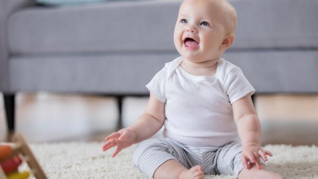 O seu bebé está a passar por um surto de crescimento? Entenda os sinais