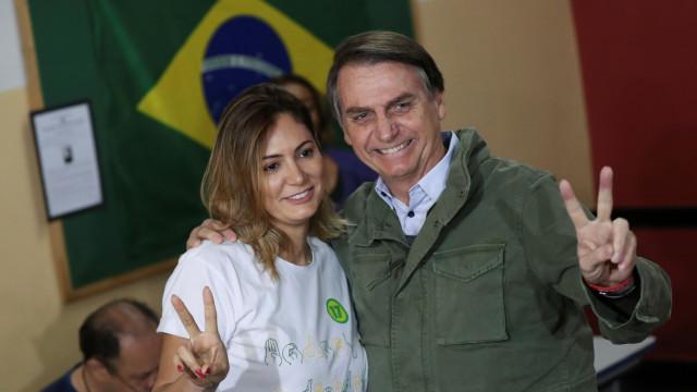 Quem é Michelle Bolsonaro, a nova primeira-dama brasileira?
