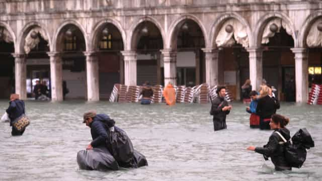 Mau tempo faz pelo menos oito mortos em Itália