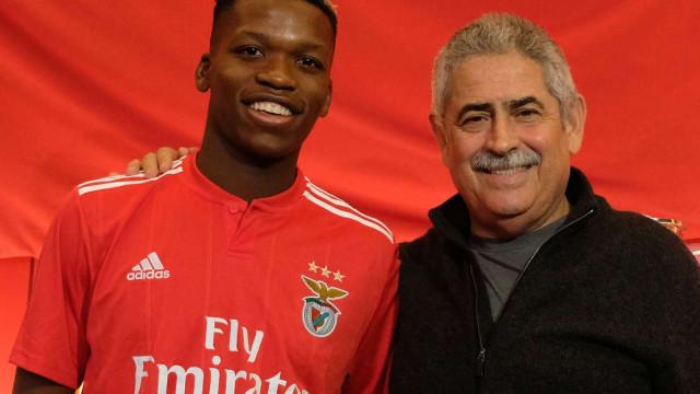 Benfica segura mais uma 'jóia' da formação. Florentino renova até 2023