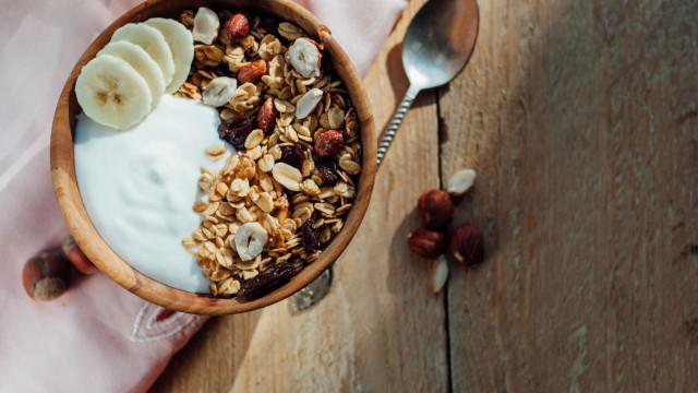 Granola: Saiba escolher a melhor e evite o pior lado deste alimento