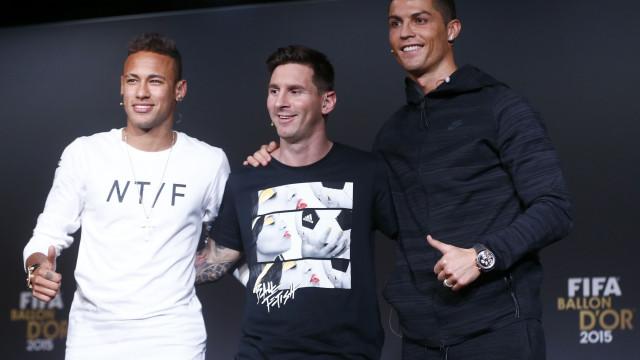"""""""O Messi é o meu ídolo. O Cristiano Ronaldo é um monstro"""""""