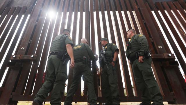 Agente fronteiriço dos EUA contrabandeou 41 quilos de cocaína