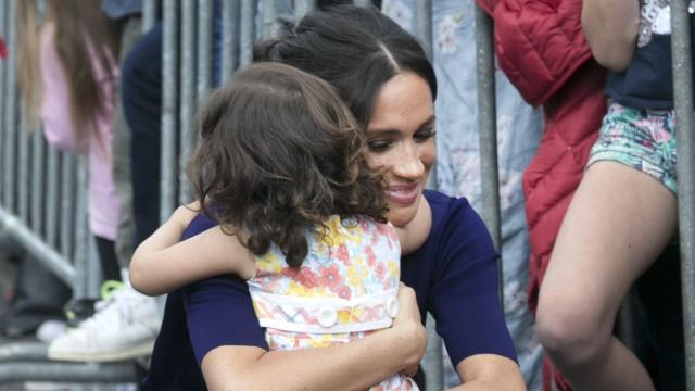 Meghan Markle mostra mais uma vez que será uma mãe carinhosa
