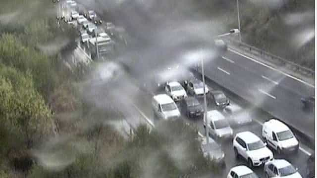 Acidente à saída da Ponte 25 Abril condiciona trânsito