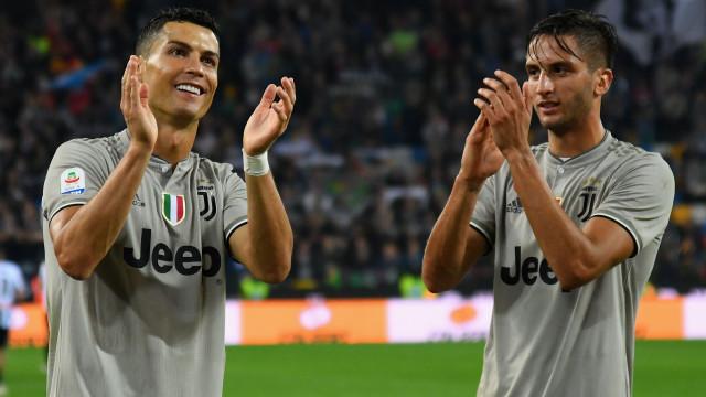 Bentancur recorda os dias em que via Cristiano Ronaldo... na televisão