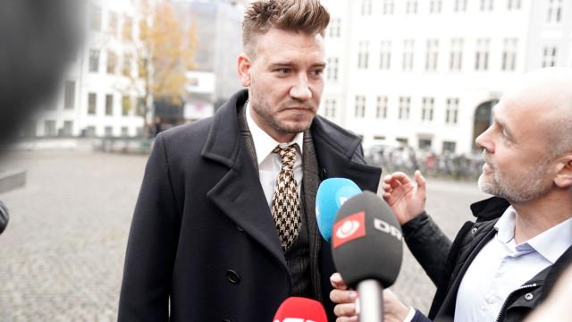 Detido, Bendtner lamenta incidente que o levou à 'prisão'