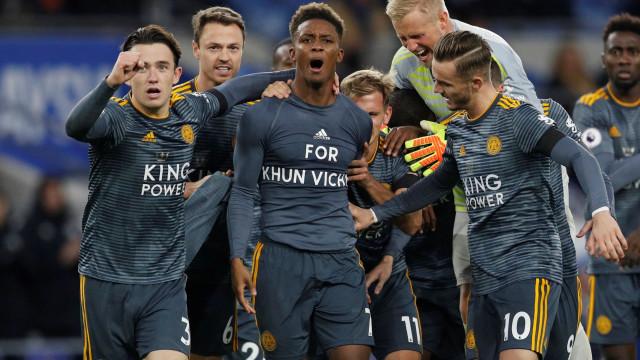 """""""For Khun Vichai"""": A raposa enxugou as lágrimas e venceu no País de Gales"""