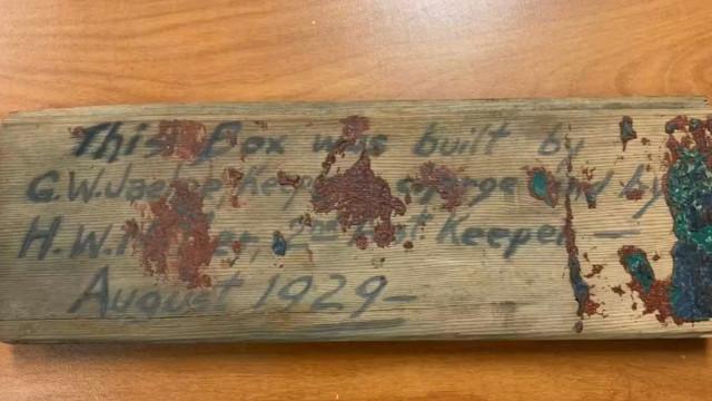 Califórnia: Construtores encontram 'cápsula do tempo' em parede de farol