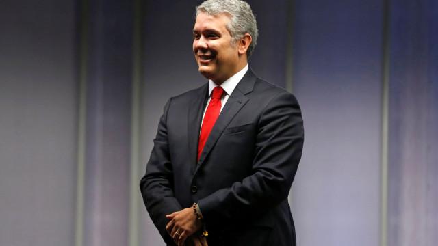 Austeridade leva presidente da Colômbia a poupar na própria segurança
