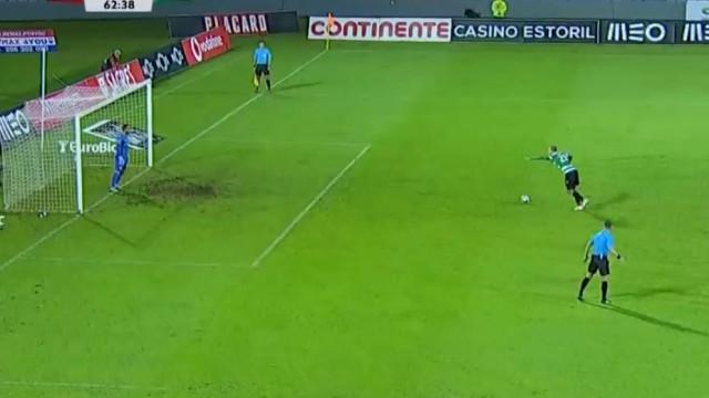 Bas Dost converte grande penalidade e empata o marcador nos Açores