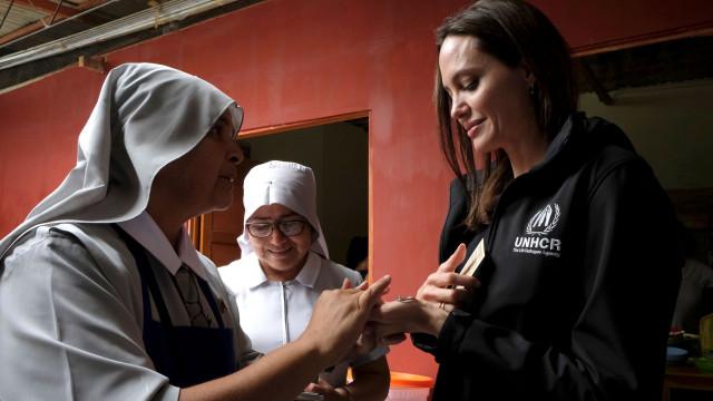 Angelina Jolie pede fim das hostilidades no Iémen e solução para crise
