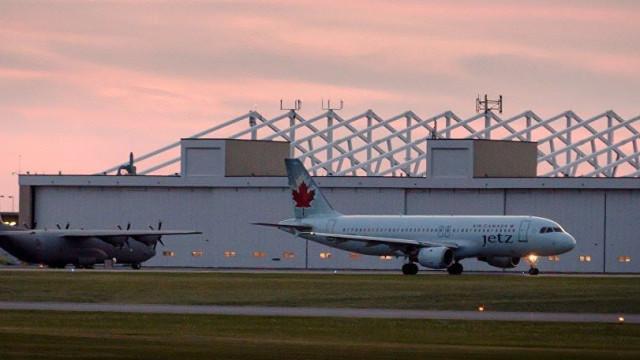 Um morto em consequência de colisão em voo de duas avionetas no Canadá
