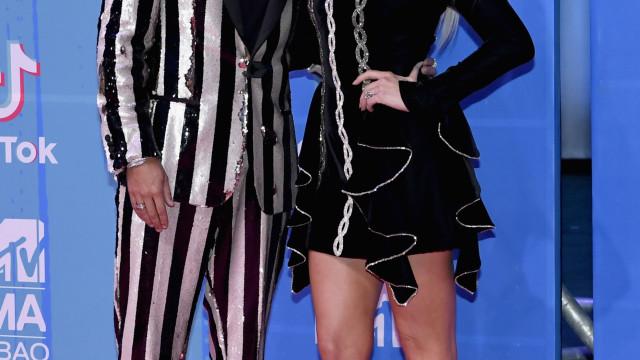 MTV EMAs: Ashlee Simpson e Evan Ross protagonizam momento amoroso