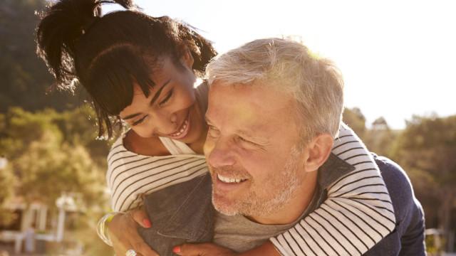 Que influência a diferença de idades tem numa relação?