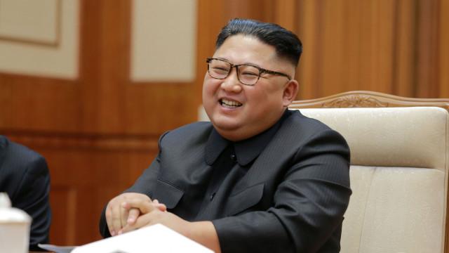 Kim Jong-un já teve direito à sua primeira pintura oficial?