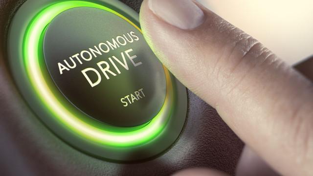 Passageiros demoram 90 segundos a confiar em carros autónomos