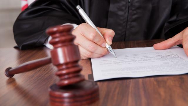 """Carga emocional"" levou economista a atacar escritórios de advogados"