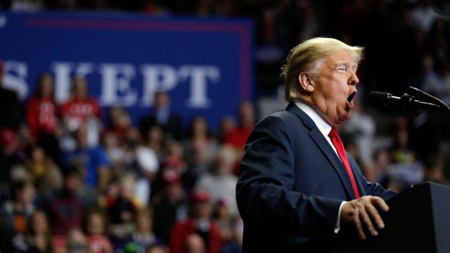 """""""Trump tem magia"""". Presidente norte-americano congratula-se no Twitter"""