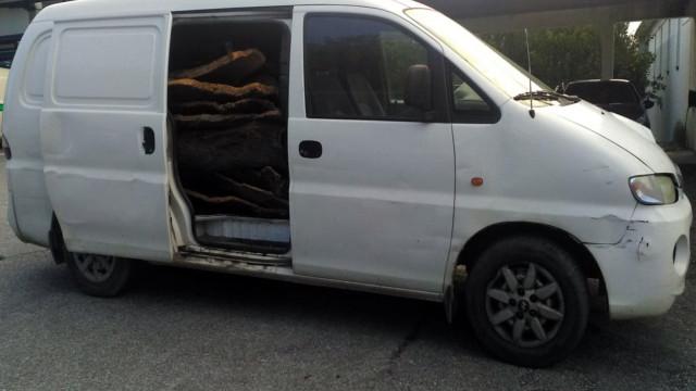Tenta fugir da GNR ao ser apanhado com 353 quilos de cortiça roubada