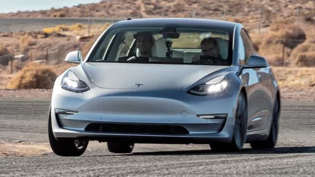 Competição de 'hacking' tem um Tesla Model 3 como alvo e prémio