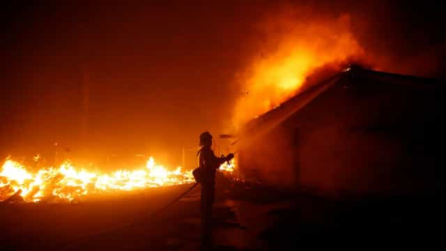 A Califórnia enfrenta mais uma vez o inferno dos fogos florestais