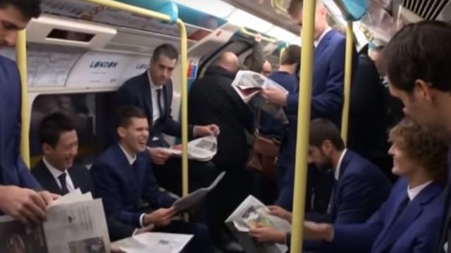 Federer e Djokovic passearam pelo metro de Londres
