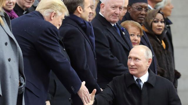"""Putin afirma ter tido uma """"boa conversa"""" com Trump"""