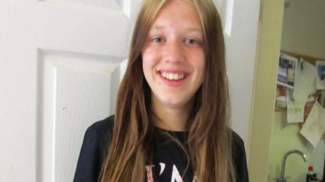 Escola admite ter falhado em caso de menina que se suicidou