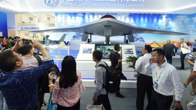 Feira aeronáutica da China gera metade das vendas da edição anterior