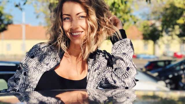 "Look: Laura Figueiredo tentada a ""cortar ainda mais"" o cabelo"
