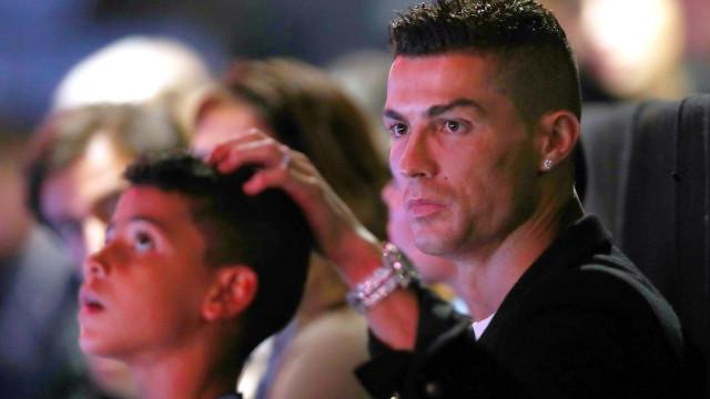 """Cristiano Ronaldo fala do """"momento mais difícil da sua vida"""""""