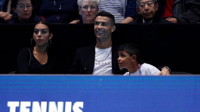 Cristiano Ronaldo e Georgina Rodríguez gastam 30 mil euros… só em vinho