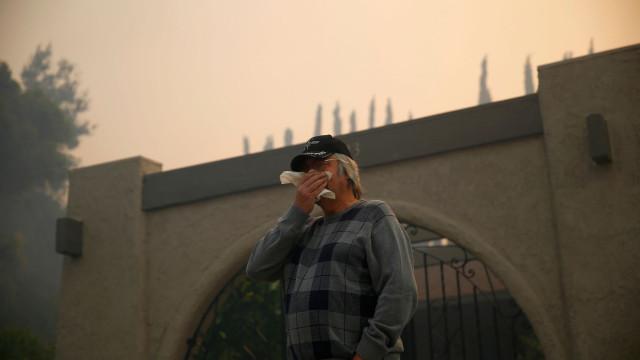 Incêndio florestal mais mortífero da história dos EUA já fez 42 mortos