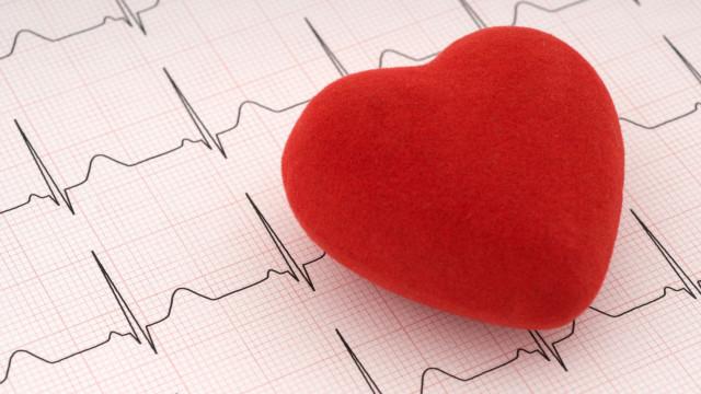 Colesterol elevado? Entenda as verdadeiras causas, sintomas e cura