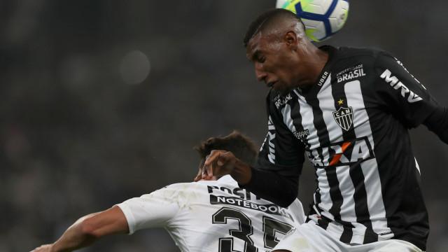 Benfica segue lateral do Atlético Mineiro, mas concorrência é cerrada