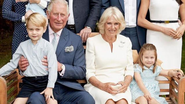 Divulgados dois novos retratos de família da realeza britânica