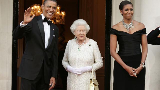 Michelle Obama recorda o dia em que quebrou o protocolo real