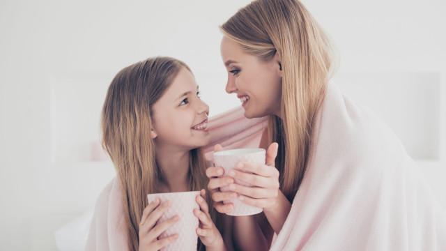 Sim, mães e pais têm preferência por algum dos filhos. A ciência explica