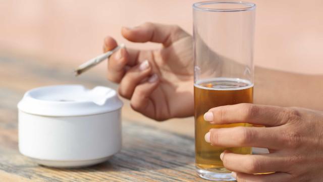 Álcool e tabaco são inimigos da cirurgia plástica, diz especialista