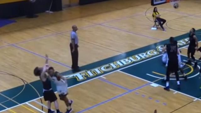 Esta é, provavelmente, a pior agressão já vista no basquetebol